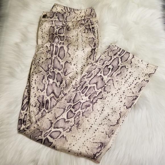 Woman Snakeskin Print Pants 4